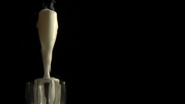 champagne pyramid - pyramidform bildbanksvideor och videomaterial från bakom kulisserna