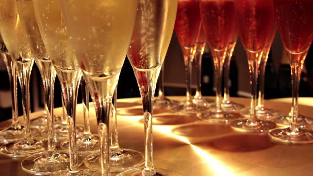 vidéos et rushes de champagne - flûte à champagne
