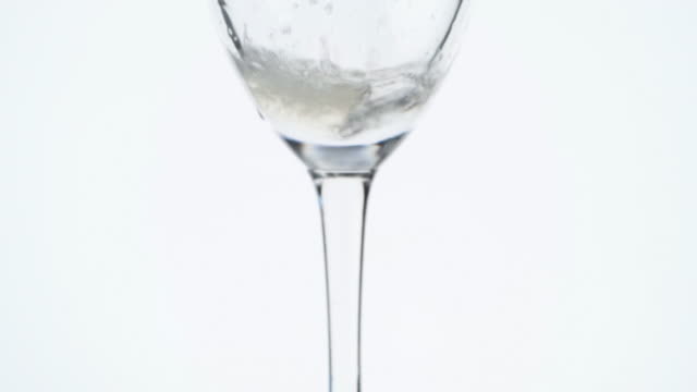 Champaign Vertical Pour video