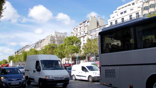 Champs de Elysees traffic video