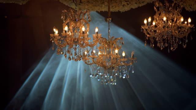 シャンデリアとライトの抽象的な背景 - 骨董品点の映像素材/bロール