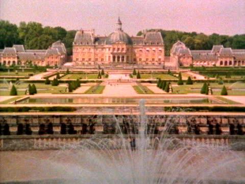 zamek vaux-le-vicomte - fontanna filmów i materiałów b-roll