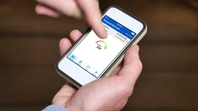 Vérification sur Smartphone Excellent Score de crédit - Vidéo