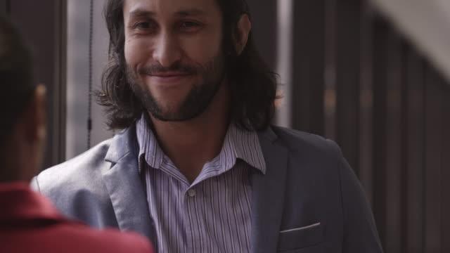 cheerful business person - продвижение трудовые отношения стоковые видео и кадры b-roll