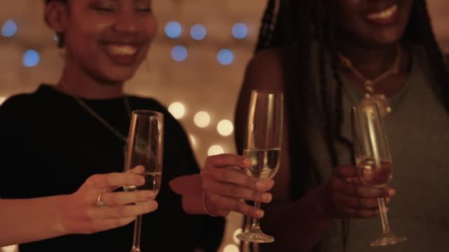 Restaurant Cheers  - Vidéo