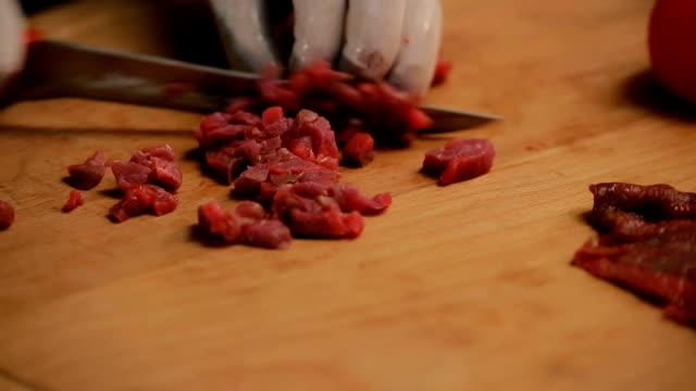 aşçı kesme eti - kesit stok videoları ve detay görüntü çekimi