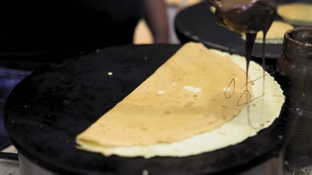 gör crepe street food, grekland - crepes bildbanksvideor och videomaterial från bakom kulisserna