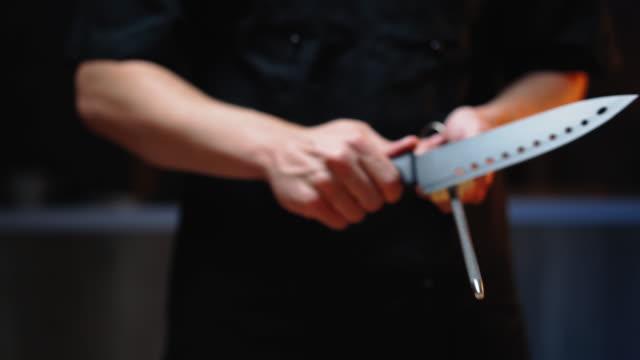 Chef sharpen knife video