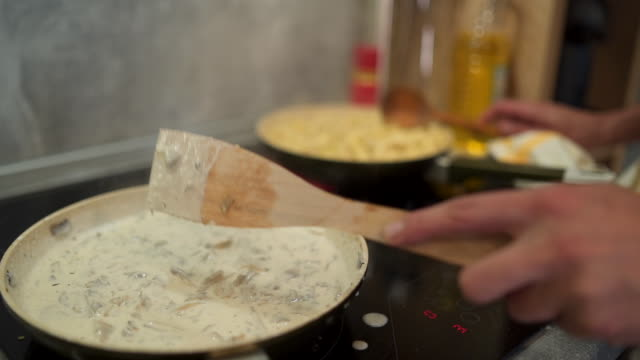 chef showing his cooking skills - padella pentola video stock e b–roll
