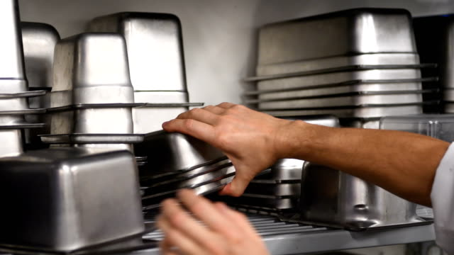 Chef using food service containers video