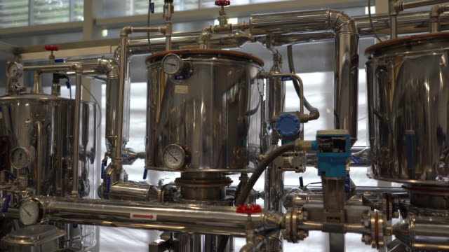 chemistry process factory - fermentare video stock e b–roll