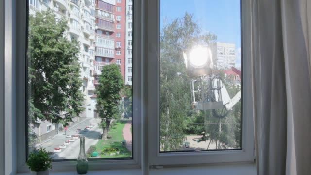 cherry picker film ljus utomhus - skylift bildbanksvideor och videomaterial från bakom kulisserna