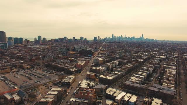 vidéos et rushes de drone aérien wrigleyville north side de chicago - nord