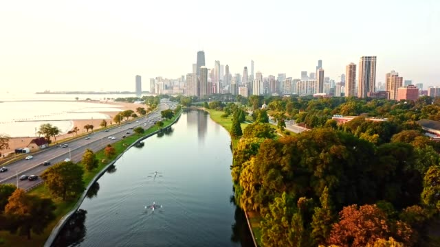 Vista aérea de Chicago sobre o lago - vídeo