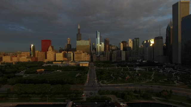 Chicago at Dawn Monroe Drive video