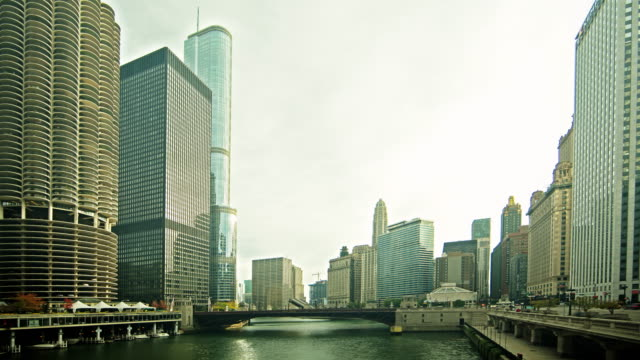 0071 Chicago River Time Lapse 4K video