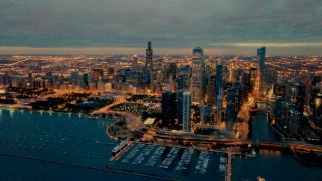 chicago skyline at sundown - chicago architecture stock videos & royalty-free footage