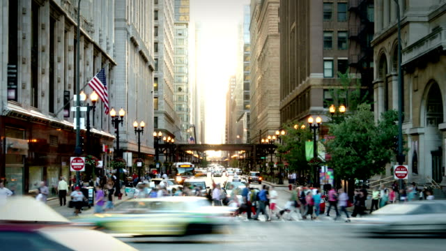 chicago street - stadtzentrum stock-videos und b-roll-filmmaterial