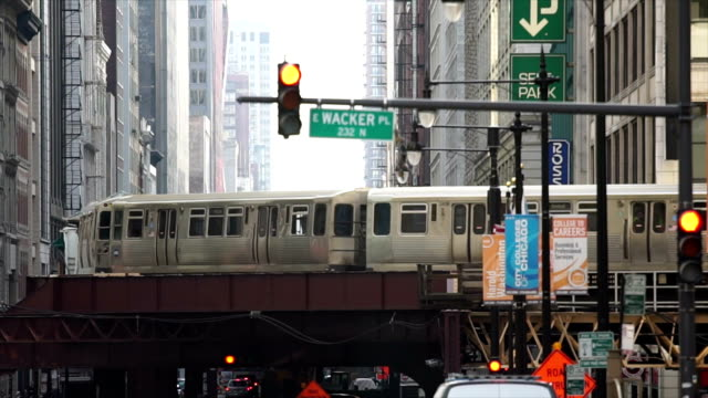 Chicago Train Passes By video