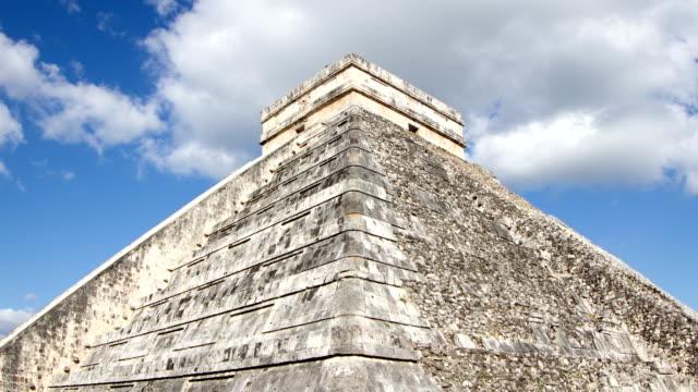 chichen itza, mexico - pyramidform bildbanksvideor och videomaterial från bakom kulisserna
