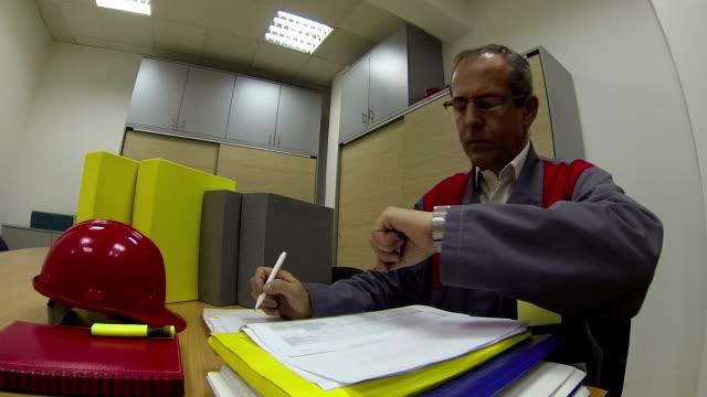 Directeur général de travail - Vidéo