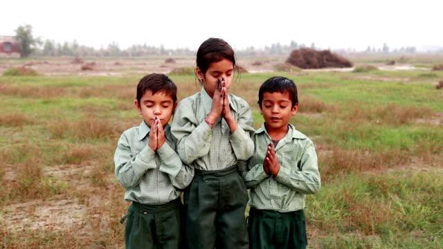 Child praying video