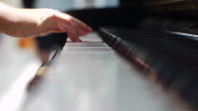 Children play the piano video