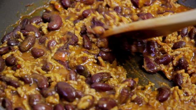 chili con carne - chilli stock-videos und b-roll-filmmaterial