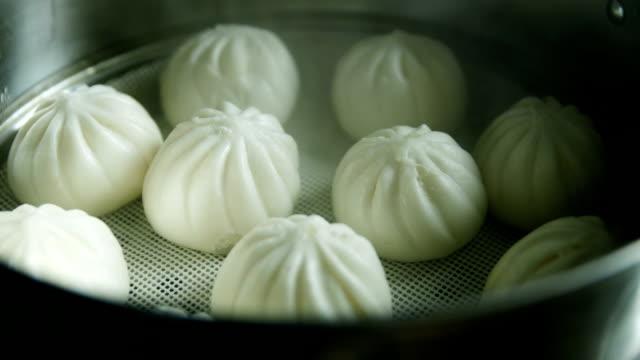 china dim sum baozi im topf - kloß stock-videos und b-roll-filmmaterial