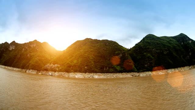 vídeos y material grabado en eventos de stock de río más grande de china, el río yangtze - río yangtsé