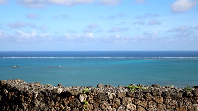 チネン城壁石垣と青い海 - 石垣点の映像素材/bロール