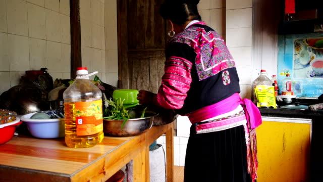 Chinese kitchen video