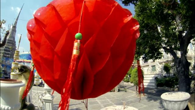chinesische laterne nahaufnahme - menschliche tätigkeit stock-videos und b-roll-filmmaterial