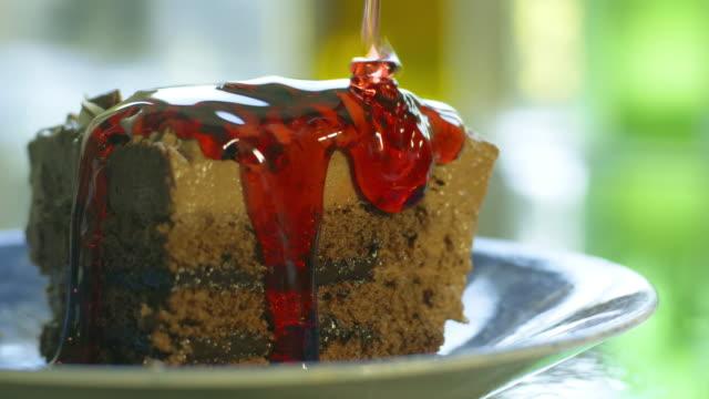 Chocolate cake sauce