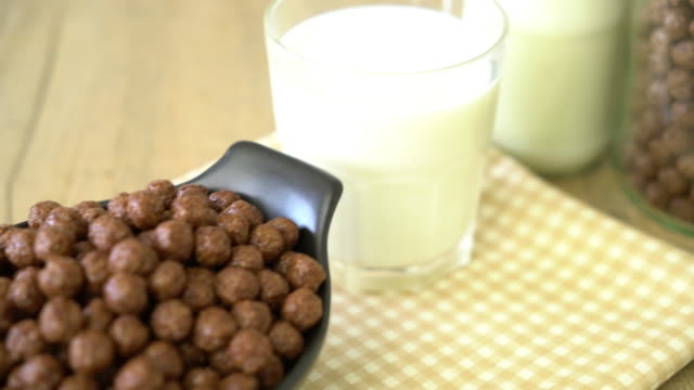 chocolate cereal bowl video