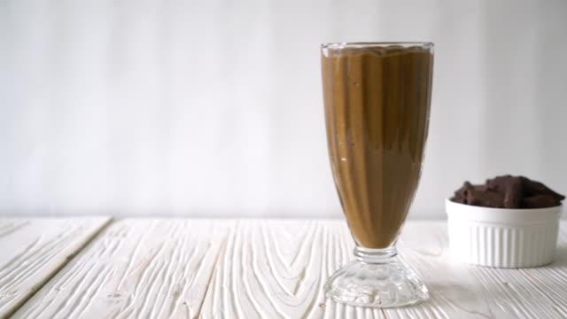 chocolate smoothie video