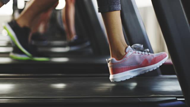 심장 기계를 현명 하 게 선택 - 운동장비 스톡 비디오 및 b-롤 화면
