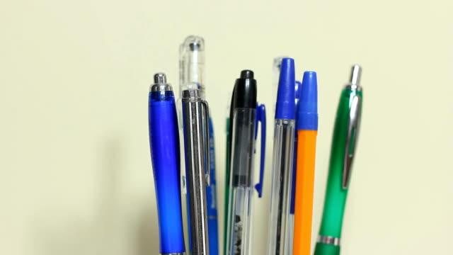 Choosing right pensil video