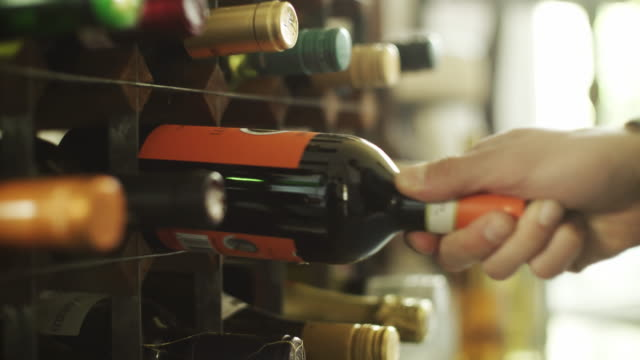 Choosing wine video