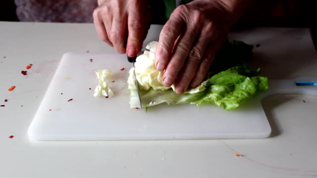 Hacken Cabbage – Video