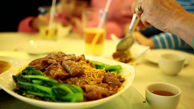 チョウメン麺 - 中国料理点の映像素材/bロール