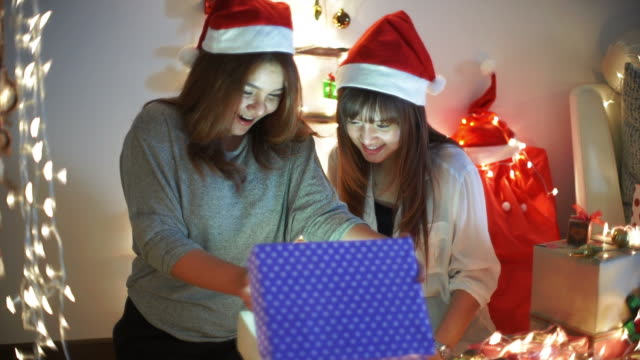Christmas gift box Surprise video