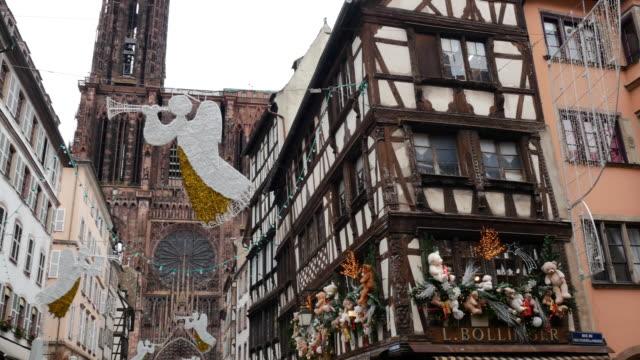 weihnachten in frankreich - weihnachtsferien auf den straßen feiern - weihnachtsmarkt stock-videos und b-roll-filmmaterial
