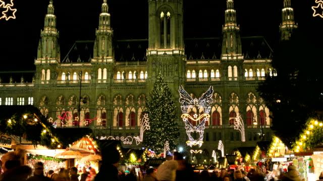 weihnachten markt, wien-zeitraffer - österreich stock-videos und b-roll-filmmaterial