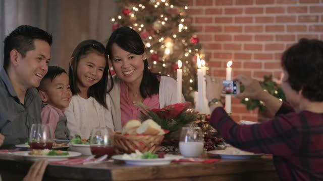 ricordi di natale - christmas table video stock e b–roll