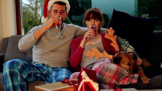 christmas movie time - christmas movie video stock e b–roll