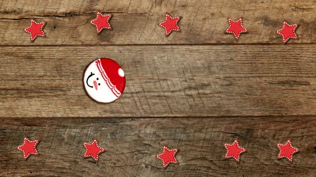weihnachten oder silvester animation von lebkuchen und plätzchen. weihnachten backen hintergrund. - lebkuchen stock-videos und b-roll-filmmaterial