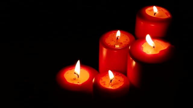 vídeos y material grabado en eventos de stock de decoración de la vela roja de navidad - advent