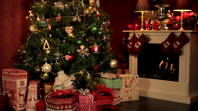クリスマス時間 - クリスマスツリー点の映像素材/bロール