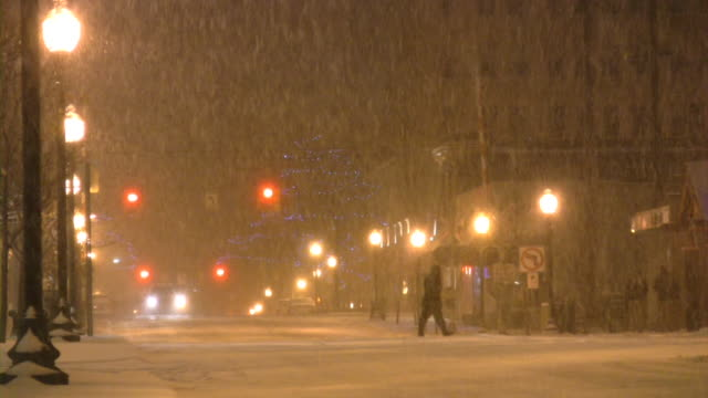 Christmas time winter weather. Snowstorm, snowflakes, snow, snowing. Urban scene. video